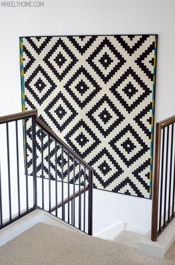 abbellire una parete con un tappeto